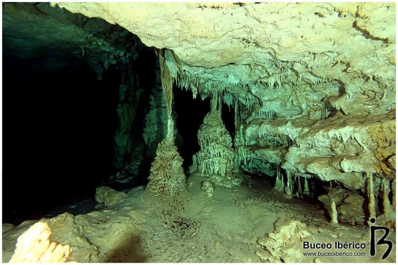 Cuevas - La magia de Xibalba