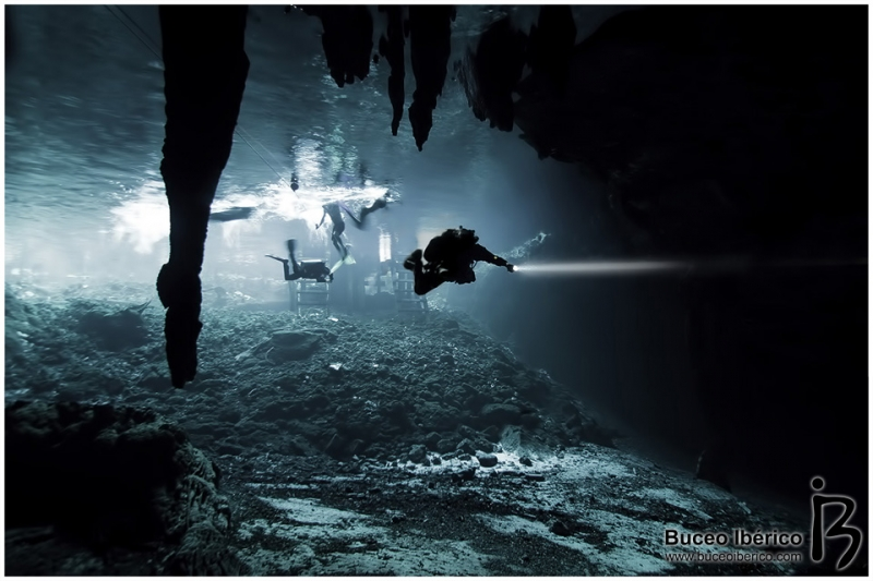 Cuevas - Penetración desde el cenote