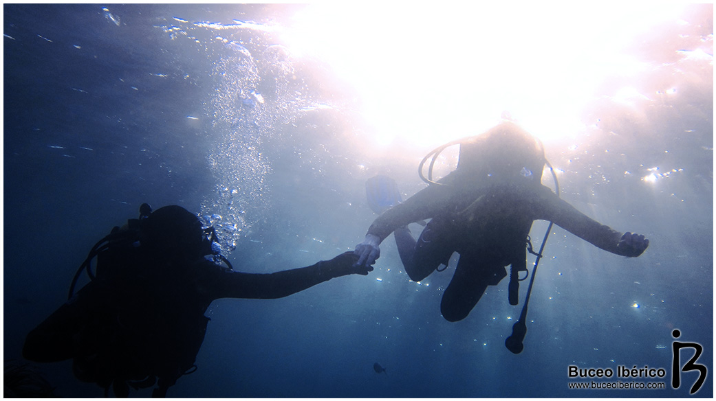flotabilidad-positiva-buceo-iberico